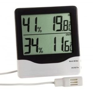 Digitálny teplomer/vlhkomer TFA 30.5013 s externou sondou pre suchý a chladný sklad s certifikátom o kalibrácii v bodoch: 2, 6, 10, 20, 30 °C / 30, 50, 70, 80, 90 %